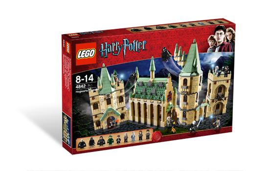 Hogwarts Castle (4842) (Image: Brickset.com)
